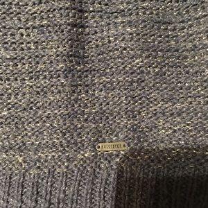 Hollister Sweaters - Hollister Short sleeve sweater. Metallic silver. S